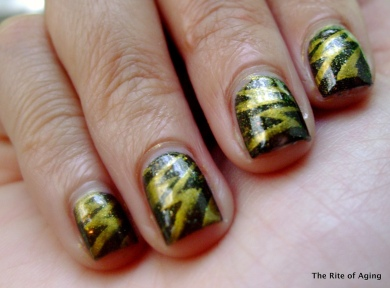 """Struck by Gold"" Nail Art: Zoya - Goldie, Sephora by OPI - 212 Sephora"
