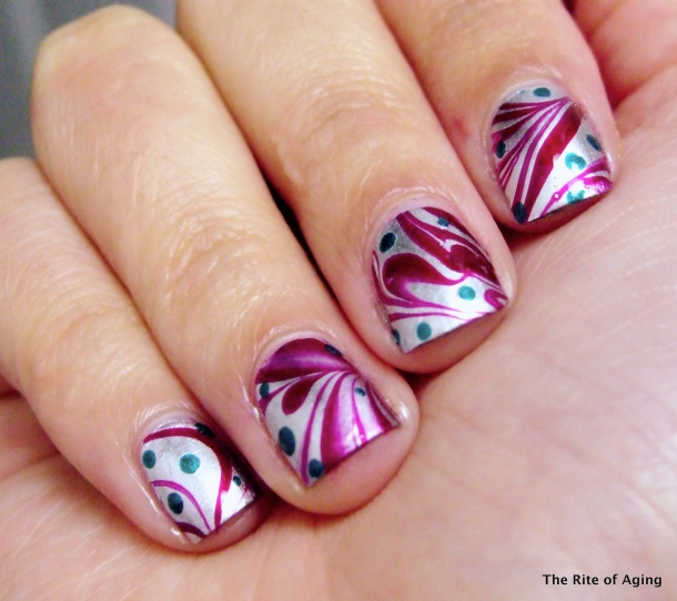 Challenge Your Nail Art - Red & Green | The Rite of Aging