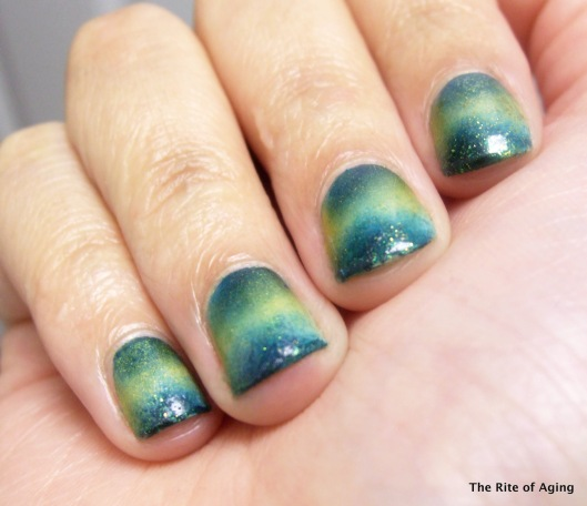 St. Patrick's Day Sponging Nail Art | The Rite of Aging