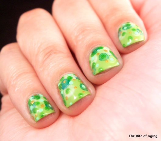 St. Patrick's Day Dotticure #nailart | The RIte of Aging