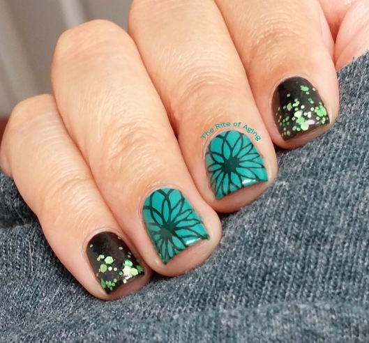 #OMD3NAILS - Teal Glitter Gradient and Stamping Nail Art | The Rite of Aging
