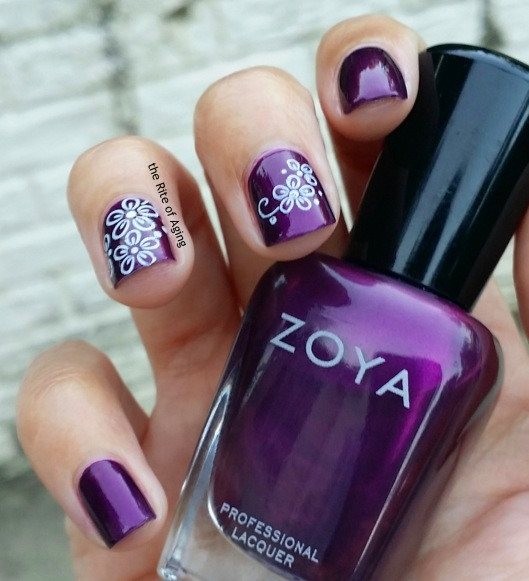 #31DC2015 - Simple Floral Decals #nailart | The Rite of Aging