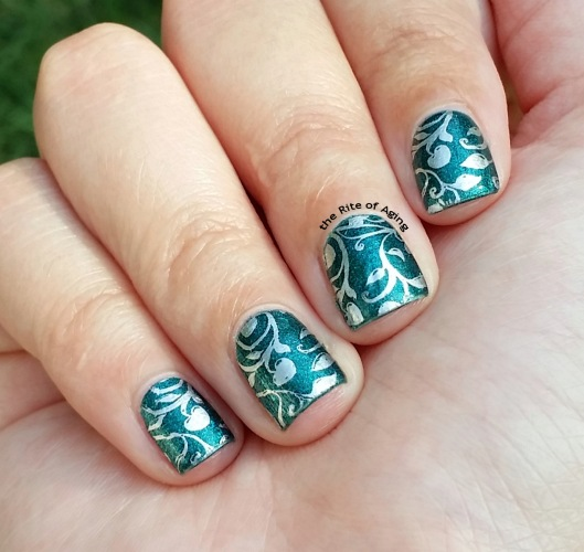 #31DC2015 - Green and Silver Stamping #NailArt | The Rite of Aging