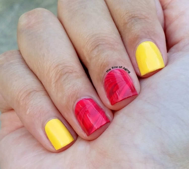 #31DC2015 - Watermarble Nail Art | The Rite of Aging