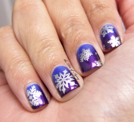 Snowflakes Gradient and Stamping Nail Art | The Rite of Aging