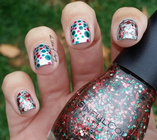 Red & Green Dotticure Nail Art | The Rite of Aging