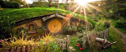http://www.hobbitontours.com/Portals/0/Templates/hobbiton/General/tumblr_myw11l3wcU1tootr2o4_1280.jpg