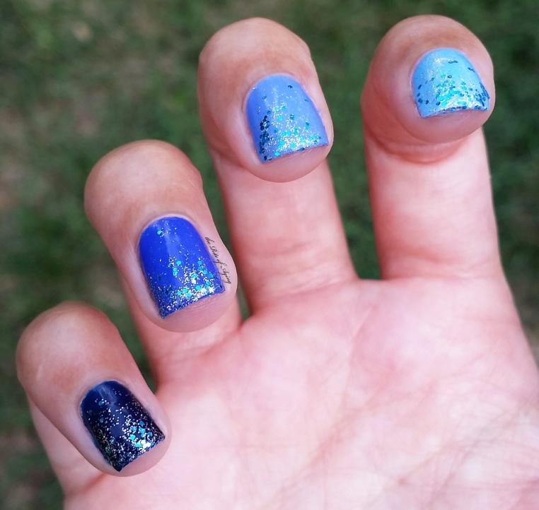 #31DC2016 -Blue Ombre and Glitter Nails